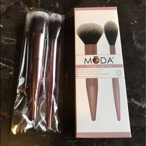 New MODA Powder & soft glow brush set.
